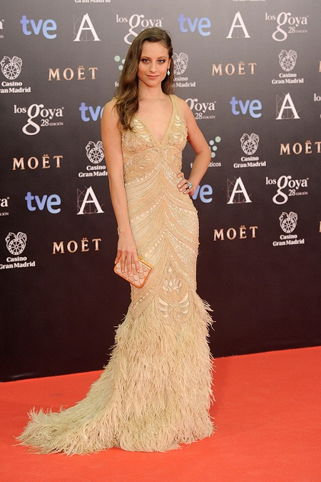 alfombra-roja-premios-goya-2014-michelle-jenner-naeem-khan