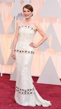 Julianne Moore-Chanel Alta Costura-JoyasChopard